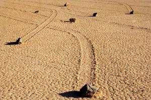 Блуждающие камни в Долине смерти