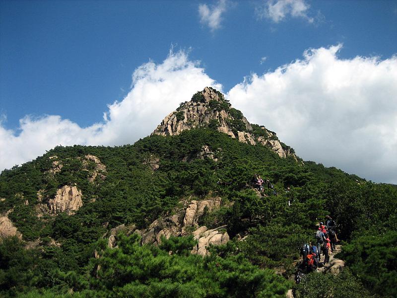 Гора Букхансан