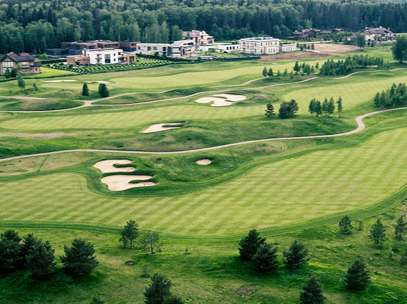 гольф поле