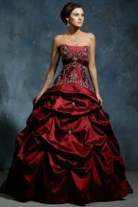 Топ 10 красное платье