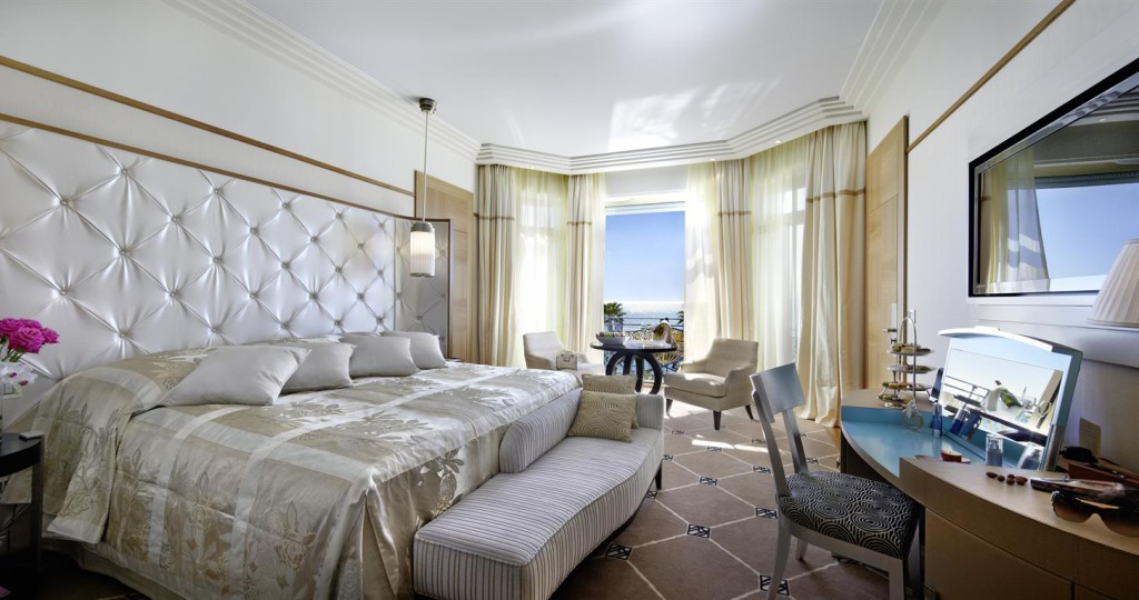 Апартаменты в Grand Hyatt Cannes Hôtel Martinez, в Каннах