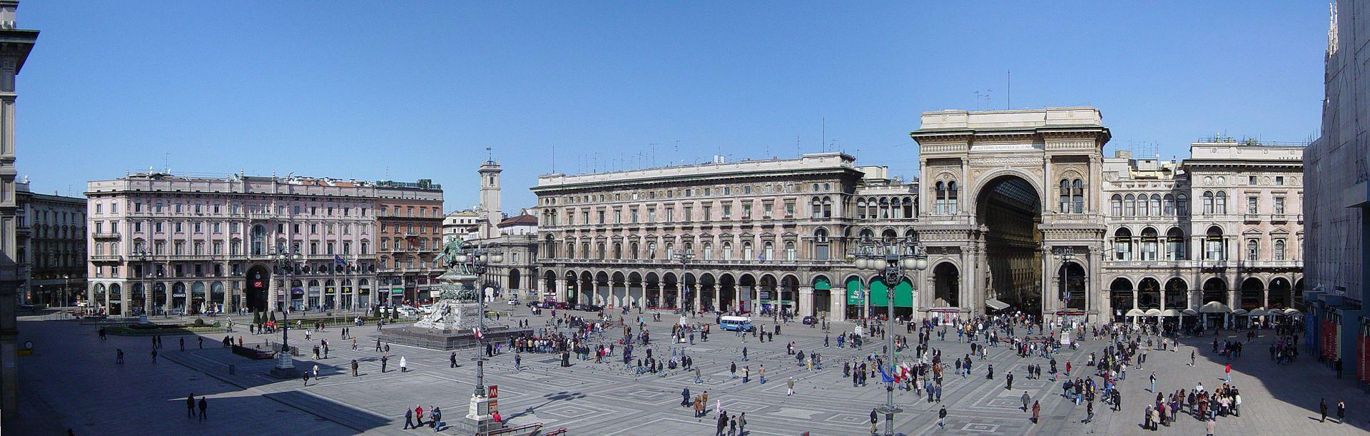 panoramica_plaza_duomo_milan