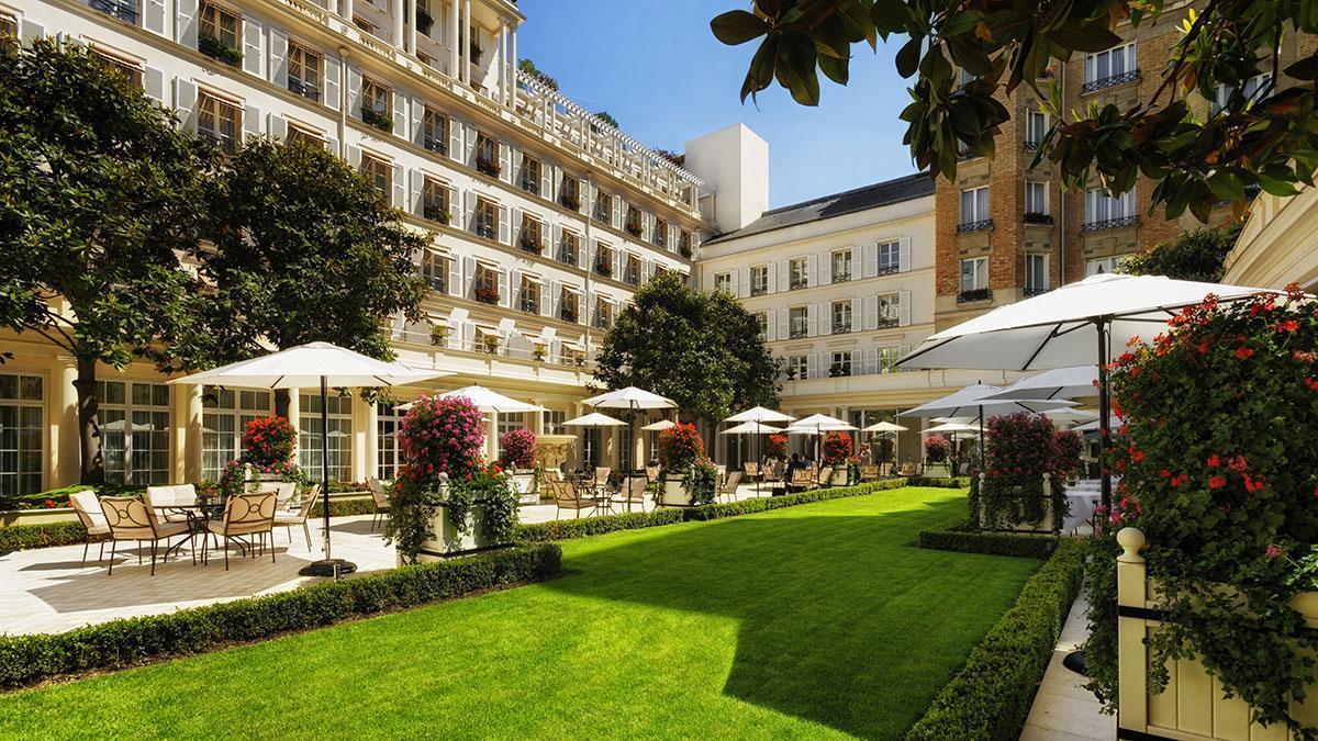 hotel-le-bristol