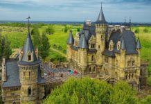 Готический замок Гарибальди в России